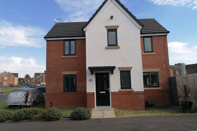 Thumbnail Detached house for sale in Greengables Close, Middleton, Manchester