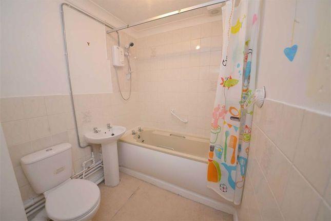Bathroom of 32, Clareston Court, Tenby, Dyfed SA70