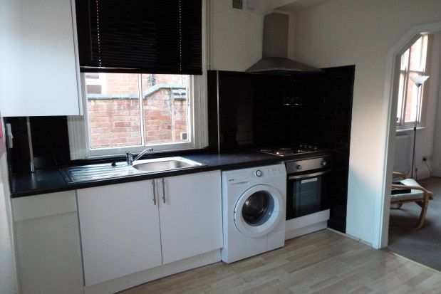 Thumbnail Flat to rent in Glenfield Road, Leicester