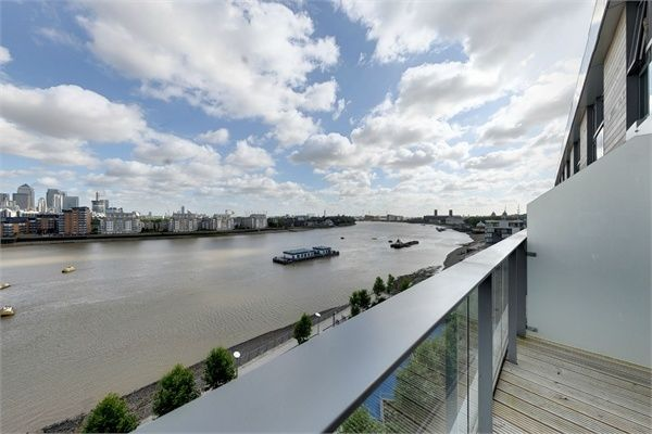 Thumbnail Flat for sale in Beacon Point, 12 Dowells Street, New Capital Quay, Greenwich