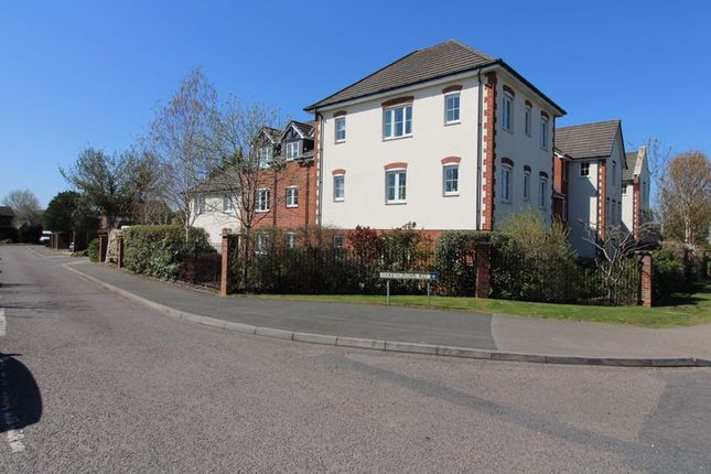 1 bed property for sale in Penn Road, Hazlemere, High Wycombe HP15