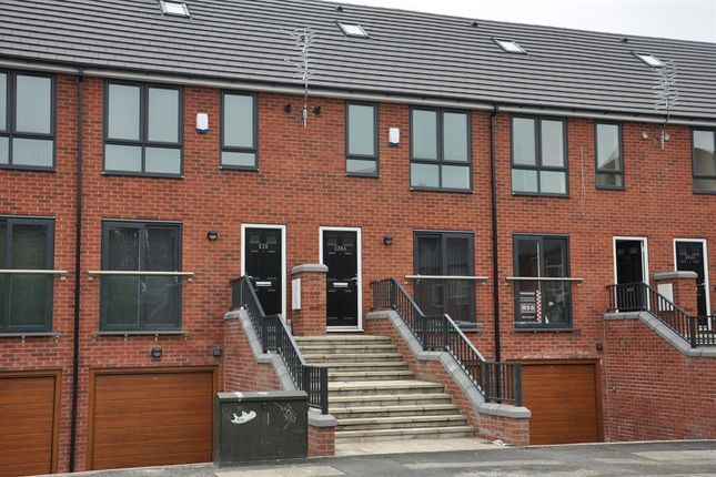Thumbnail Town house to rent in Lower Broughton Road, Salford, Manchester