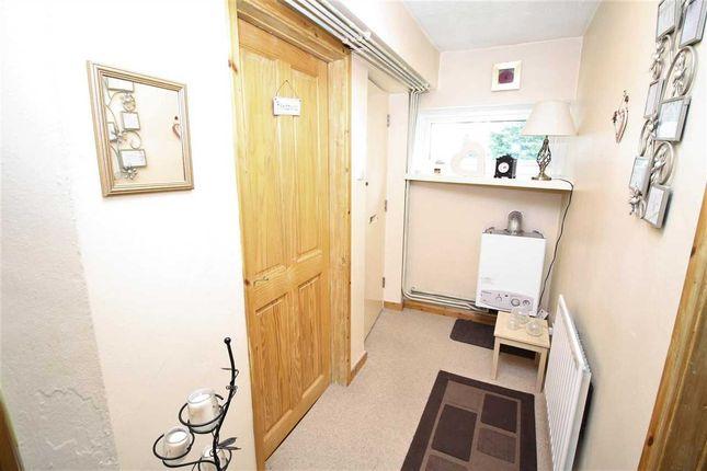 Lounge of Ffordd Garnedd, Y Felinheli LL56