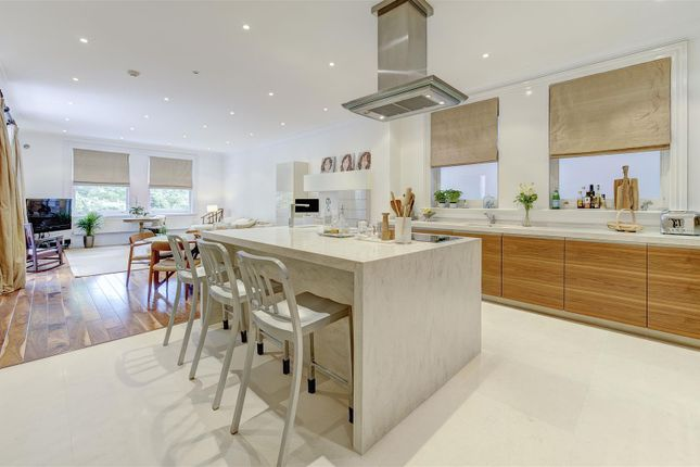 Thumbnail Property for sale in Langland Gardens, London