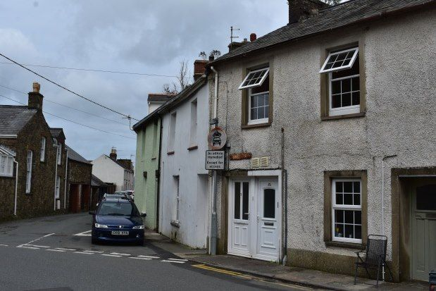 Thumbnail Flat to rent in Hottipass Street, Fishguard