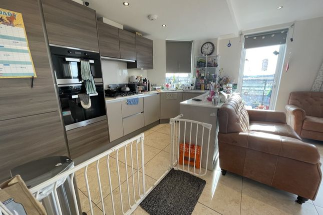 Thumbnail Flat to rent in Davis House, Truro Place