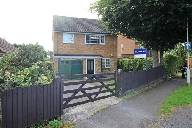 Thumbnail Detached house for sale in Leopold Road, Leighton Buzzard
