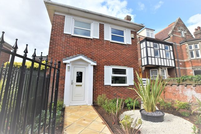 Thumbnail Detached house to rent in Oxford Court, Oxford Road, Colchester