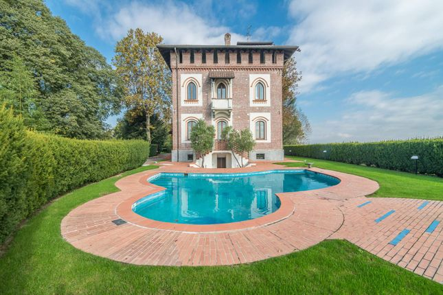 4 bed town house for sale in 20811 Cesano Maderno, Province Of Monza And Brianza, Italy