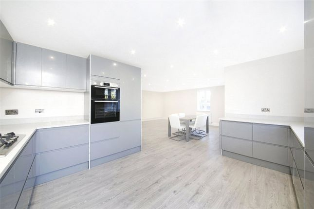 Thumbnail Flat for sale in The Glade, Shirley, Croydon