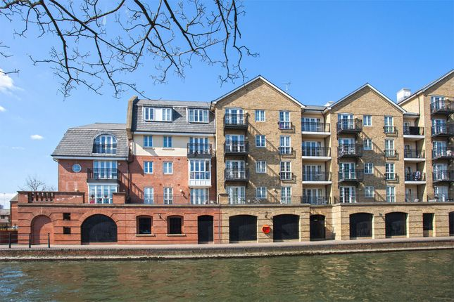 Thumbnail Flat to rent in Riverside House, Fobney Street, Reading, Berkshire