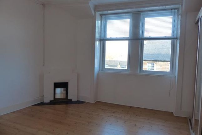 4 bed flat to rent in 2 Lion Well Wynd, Linlithgow EH49