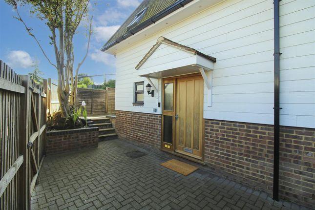 1 bed maisonette for sale in Norwood Lane, Meopham, Gravesend DA13