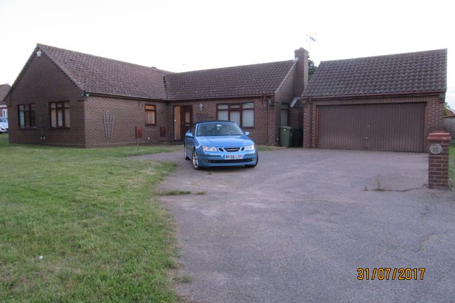 Thumbnail Detached bungalow to rent in Pebble View Walk, Hopton On Sea