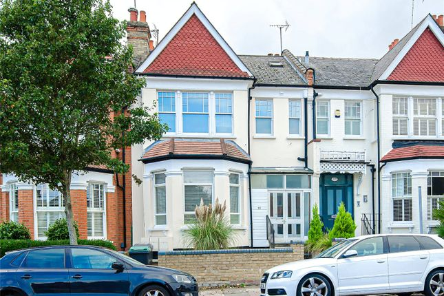 3 bed flat for sale in Curzon Road, London N10