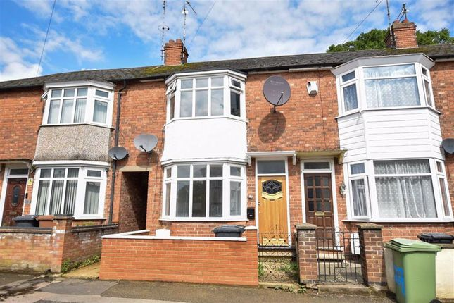 2 bed terraced house to rent in Leys Road, Wellingborough NN8