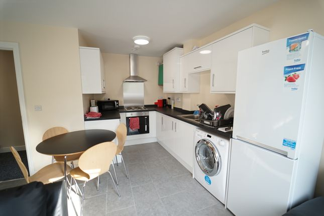 Thumbnail Flat to rent in North Sherwood Street, Nottingham