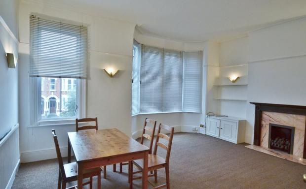 2 bed flat to rent in Bradley Gardens, London