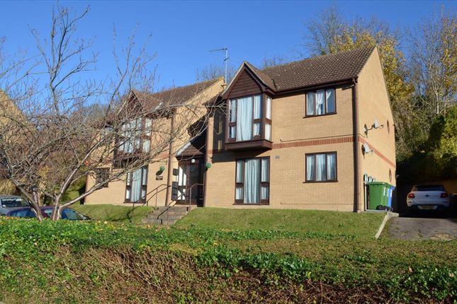Thumbnail Flat for sale in Victory Court, Grange Bottom, Royston