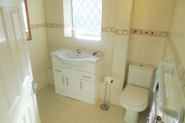 Bathroom of Village Nook, Greenside Avenue, Aintree Village L10
