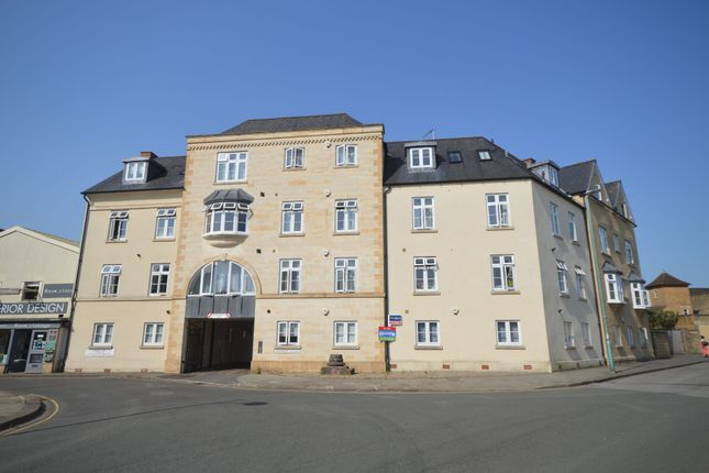 2 bed flat to rent in F3, Hoopers Court, West Way, Cirencester GL7