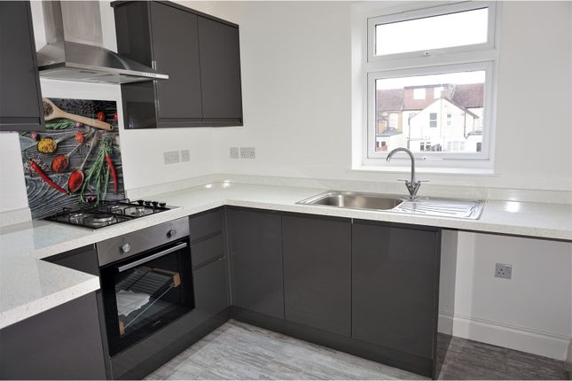 Thumbnail Flat for sale in Princes Avenue, Watford