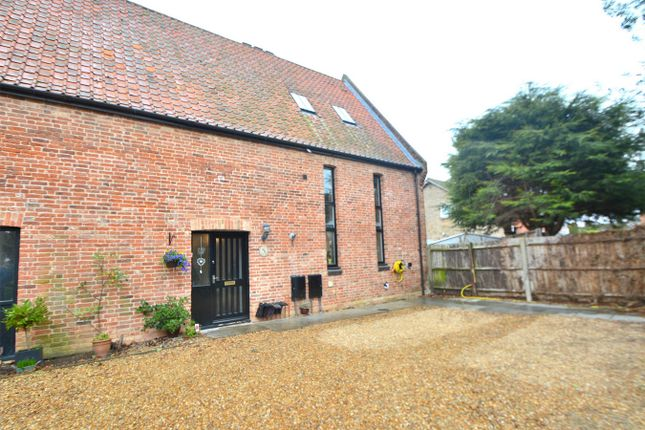 Thumbnail Town house for sale in Grange Barns, Somersham, Huntingdon, Cambridgeshire