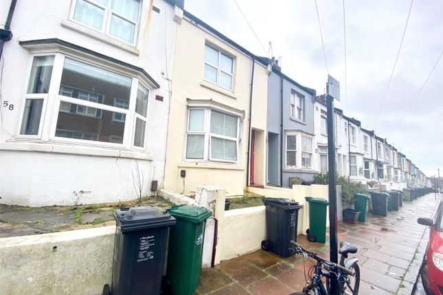 3 bed terraced house to rent in Dewe Road, Brighton BN2