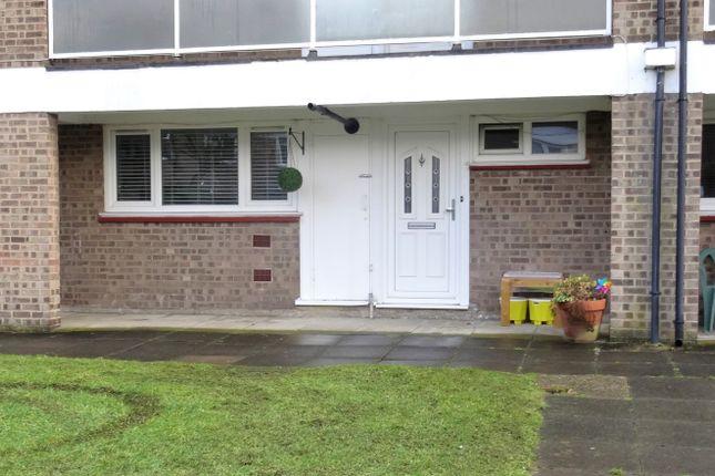Thumbnail Flat to rent in Nettlestead Close, Beckenham, Beckenham