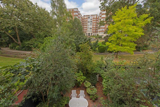 Picture 15 of Moncorvo Close, Knightsbridge, London SW7