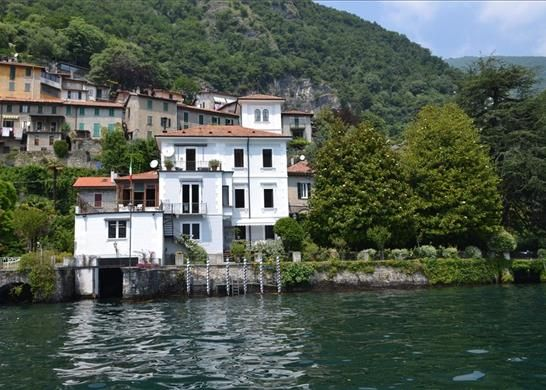 Thumbnail Property for sale in Lake Como, Italy