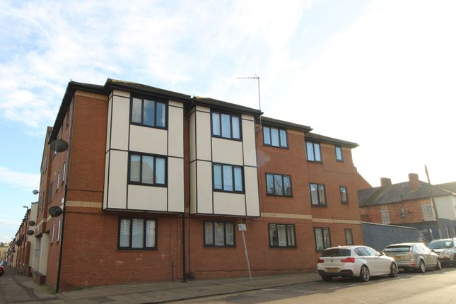 1 bed flat to rent in Lawrence Court, Northampton NN1