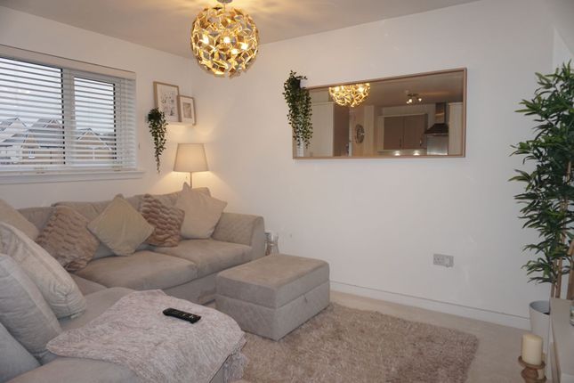Thumbnail Flat to rent in Ell Crescent, Glasgow
