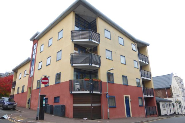 Thumbnail Flat to rent in Smythen Street, Exeter