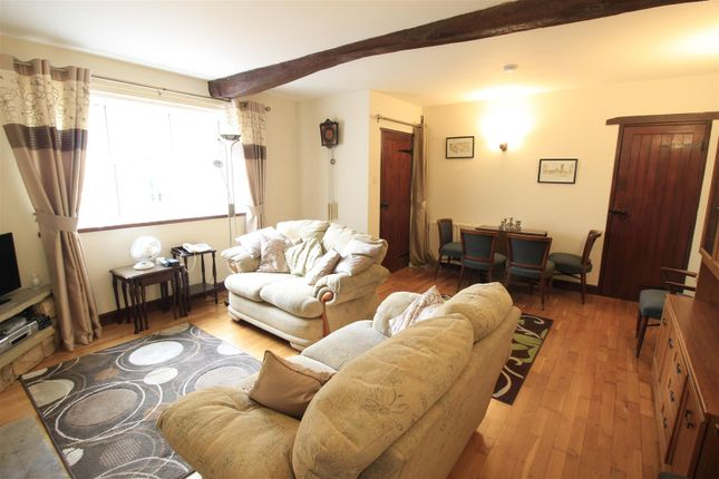 Lounge of Blyth Road, Maltby, Rotherham S66