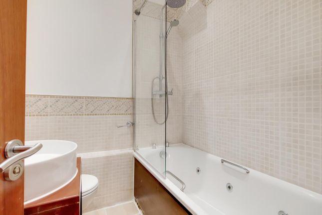 4_Bathroom-1 of Queensway, London W2