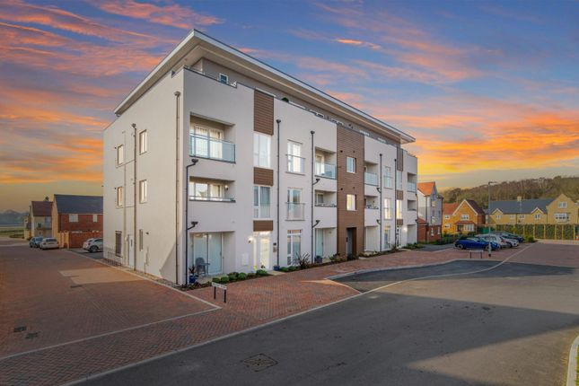 2 bed flat for sale in Marina Walk, Rowhedge, Colchester CO5