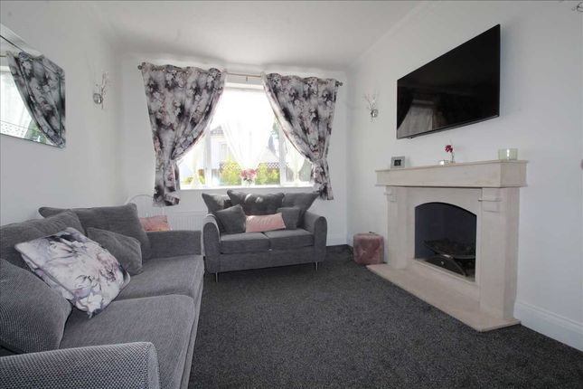 Lounge of Rayleigh Road, Eastwood, Leigh-On-Sea SS9