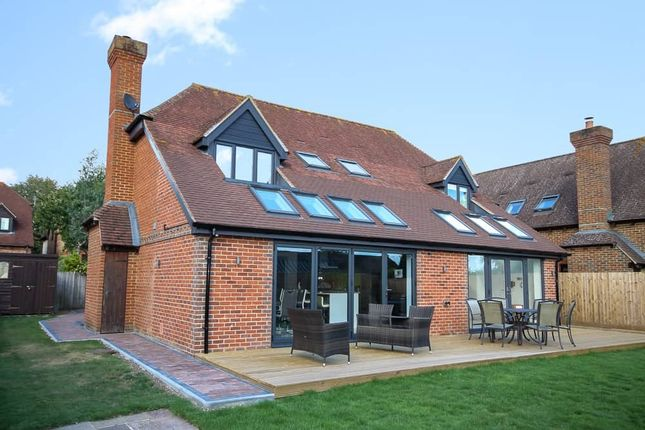 4 bed detached house to rent in Church Gate, Thatcham RG19