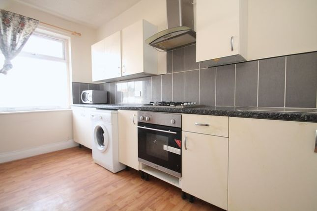 Thumbnail Flat to rent in Roman Avenue, Walker, Newcastle Upon Tyne