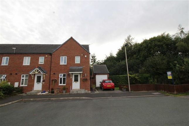 Thumbnail Town house for sale in Kinsley Close, Springview, Wigan