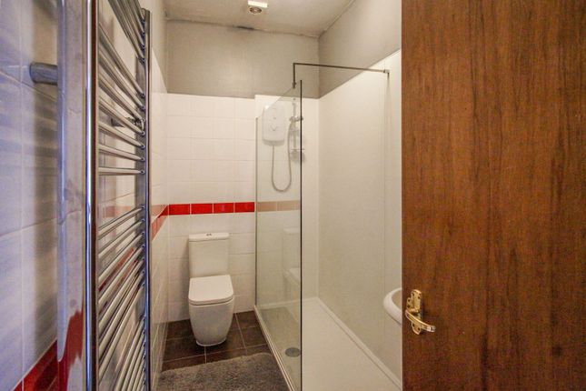 Shower Room of 201 Clepington Road, Dundee DD3