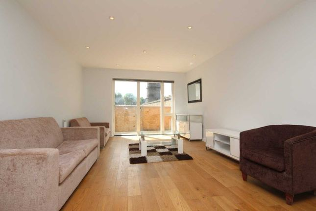 Thumbnail Flat to rent in Heneage Street, London, Spitalfields