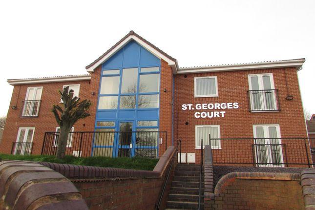 2 bedroom flat to rent in Coulthwaite Way, Rugeley