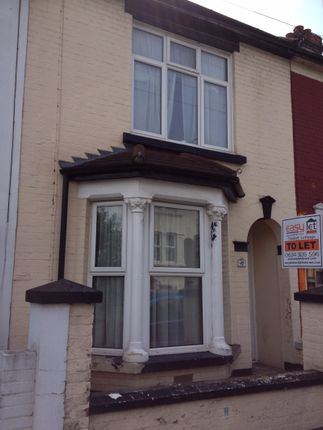 Thumbnail Shared accommodation to rent in St. Georges Road, Gillingham