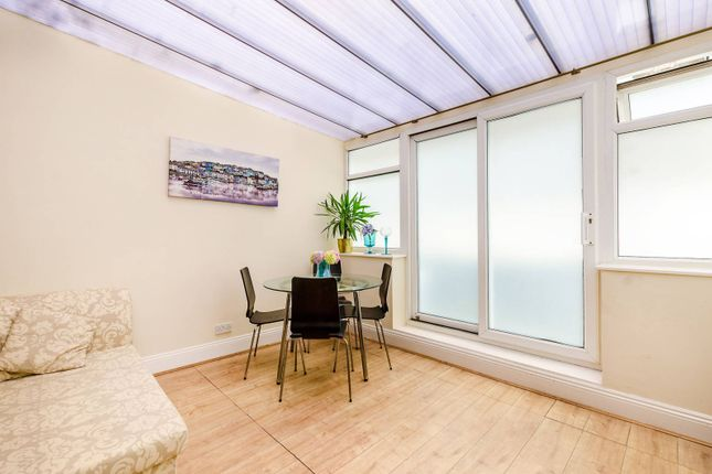 3 bed flat for sale in Redan Place, Bayswater
