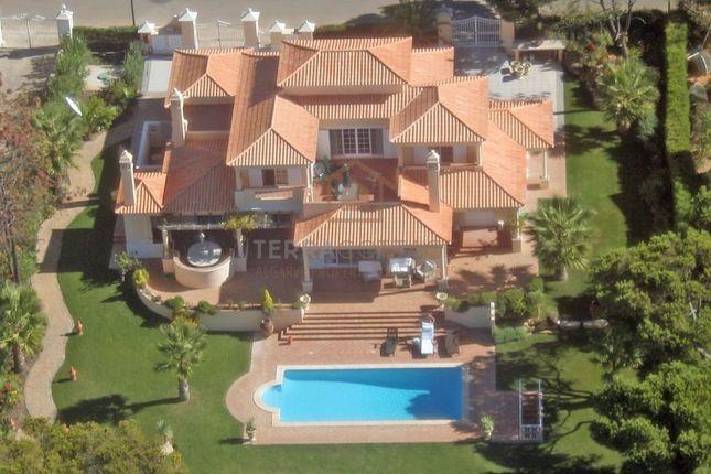 4 bed villa for sale in Quarteira, Quarteira, Loulé