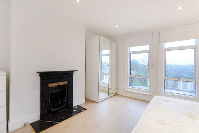 Thumbnail Flat to rent in Whitehorse Lane, South Norwood