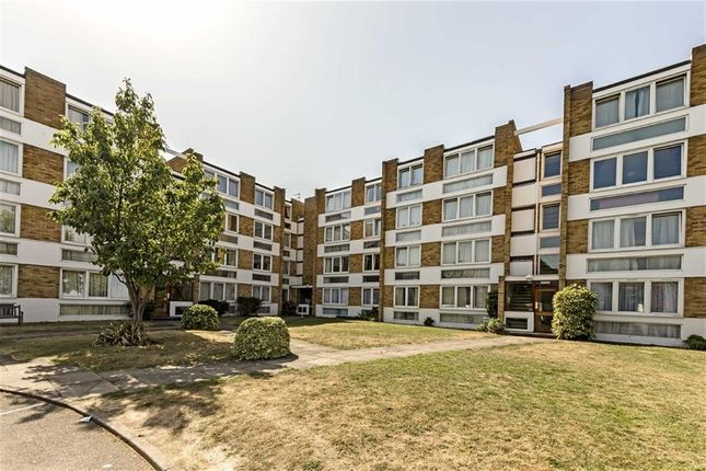 Thumbnail Flat to rent in Kent Road, Kew, Richmond