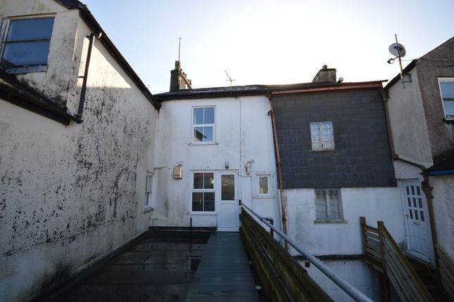 2 bed flat to rent in The Arcade, Fore Street, Okehampton EX20